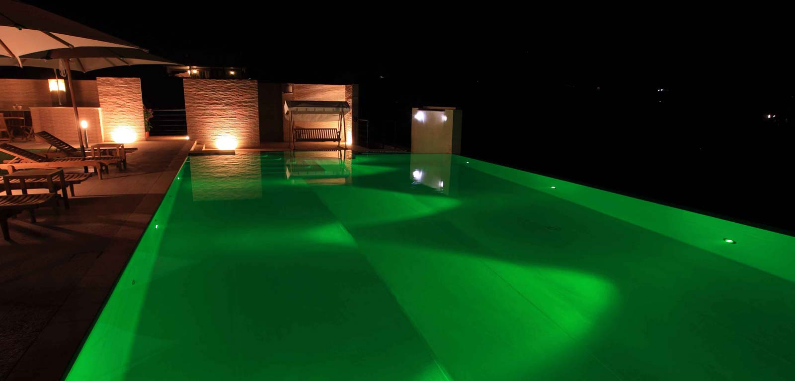 Piscine per interni piscine wellco with piscine per - Lampade a led per piscine fuori terra ...