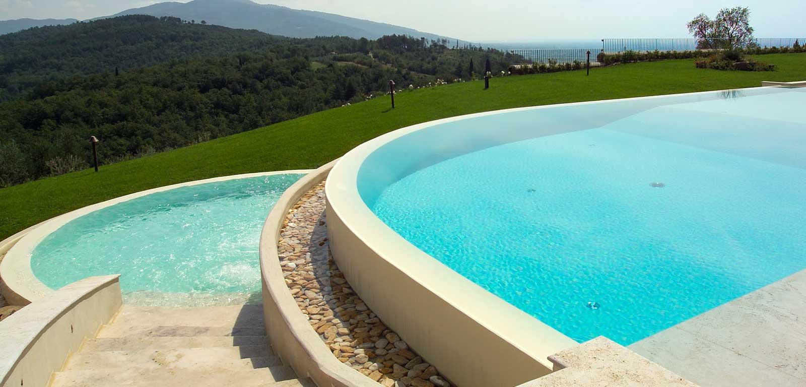 Bordo piscina con ciottoli levigati piscine castiglione for Clorazione piscine