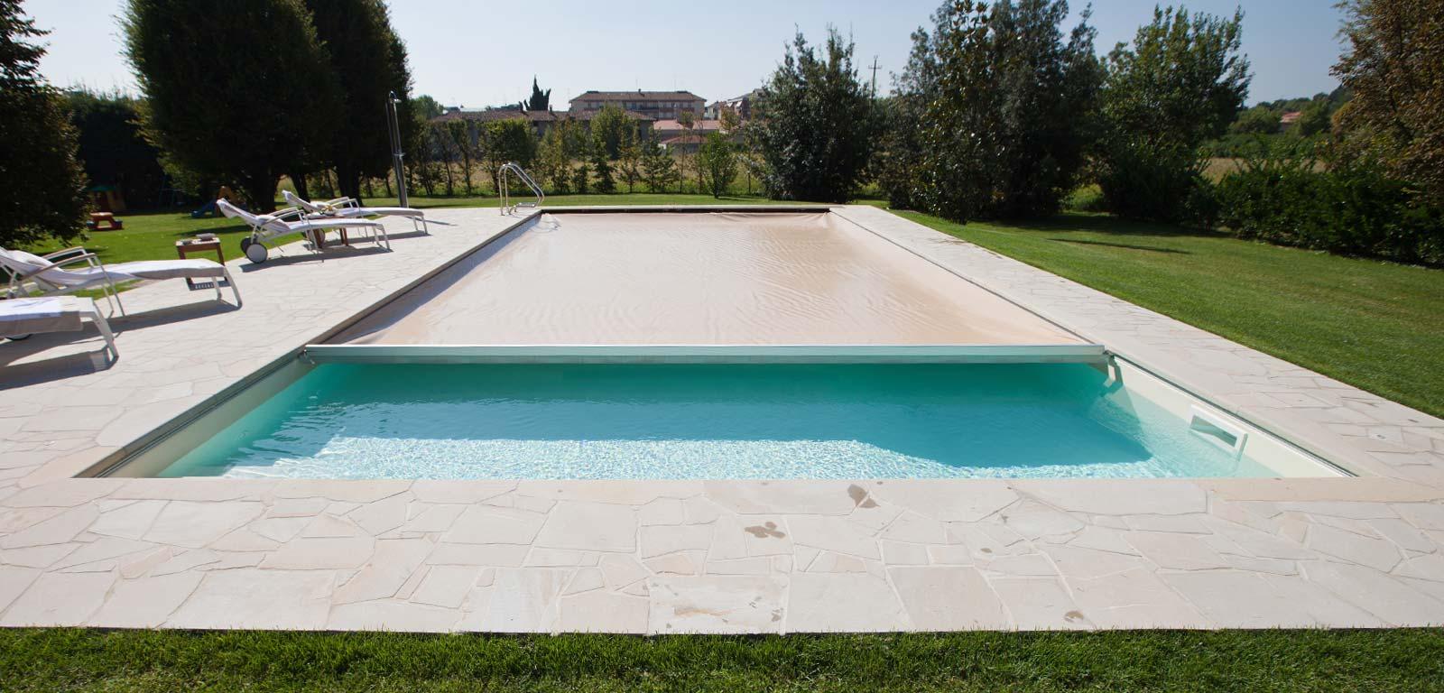 Coperture per piscine per proteggere l 39 acqua piscine castiglione - Piscine in muratura prezzi ...