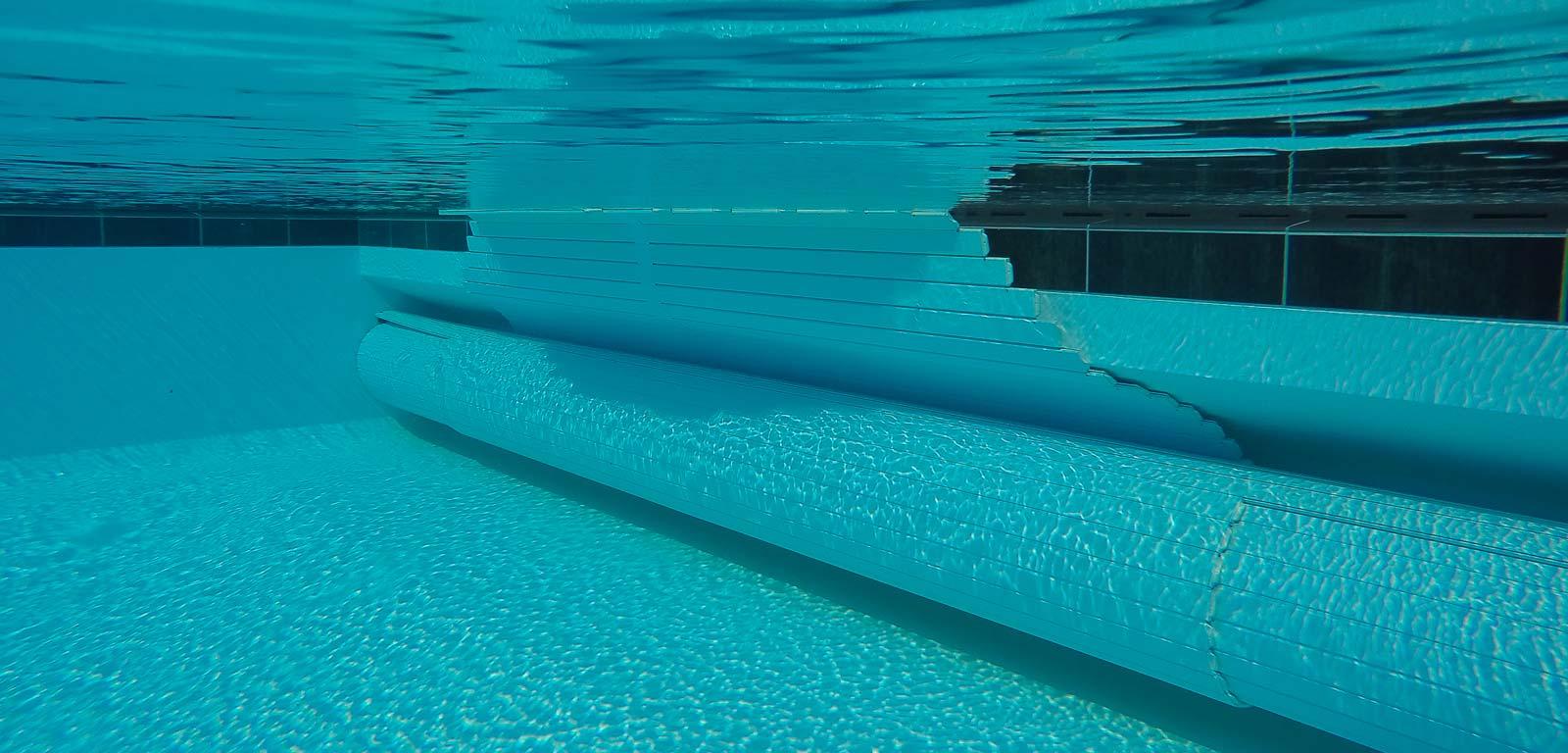 Ultimi preparativi prima di entrare in piscina for Bagno della piscina