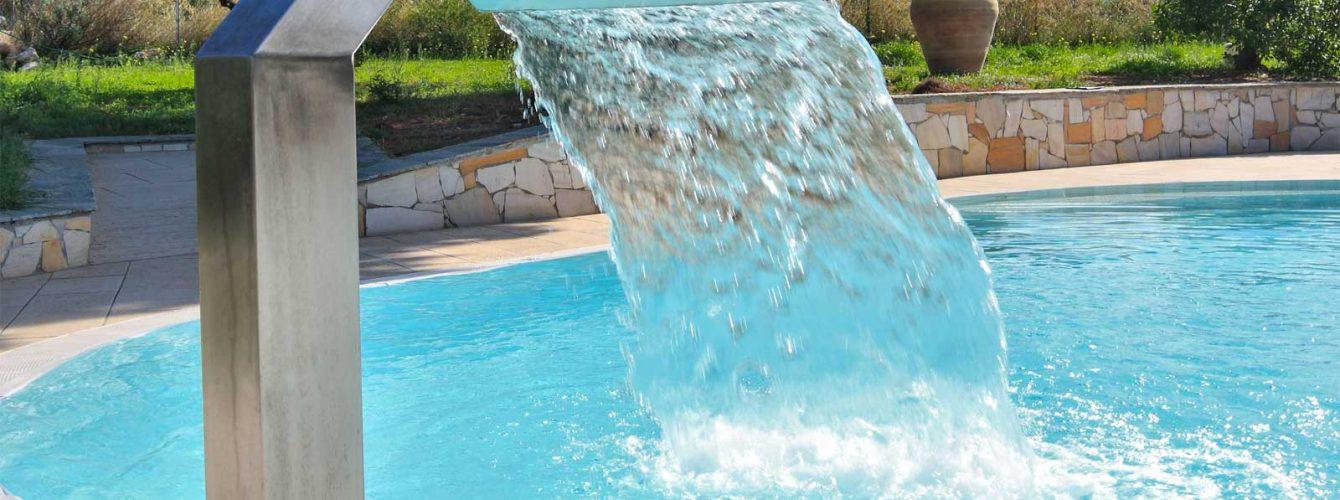 fontana a pellicano per piscina