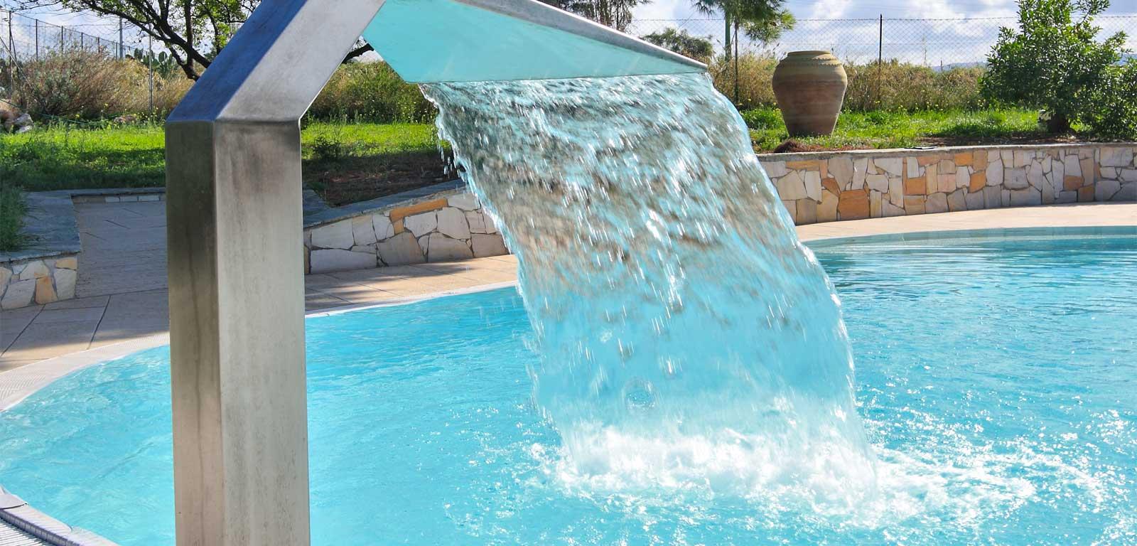 Idromassaggio per piscine piscine castiglione - Fontana per piscina ...