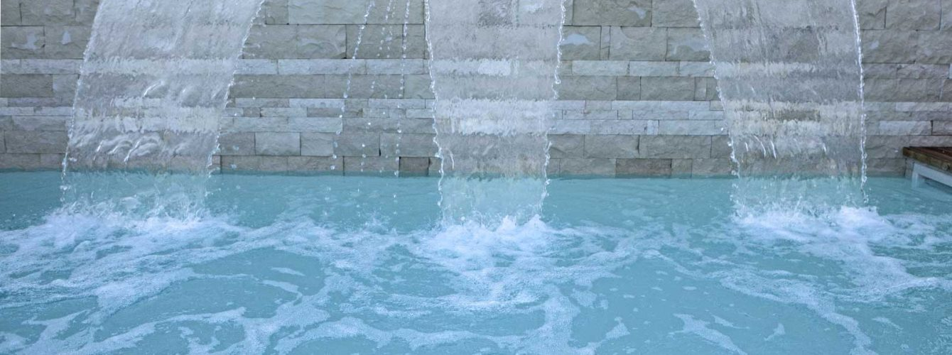 fontane installate in parete in piscina