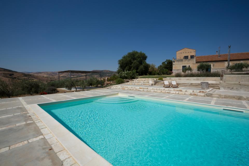 Piscine castiglione in un affascinante dimora storica for Clorazione piscine