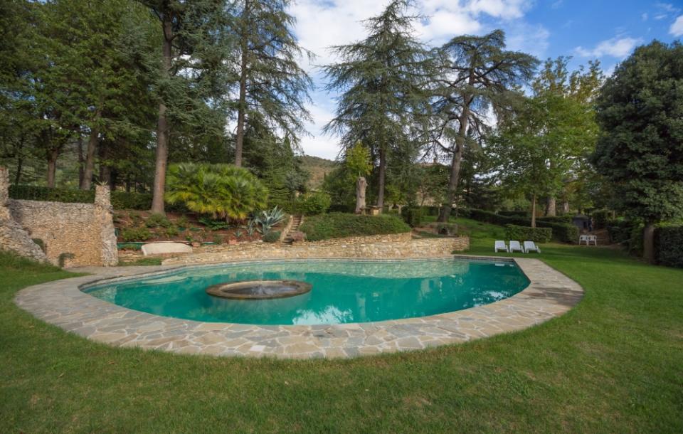 Piscine castiglione progetta il recupero di una vasca in for Clorazione piscine
