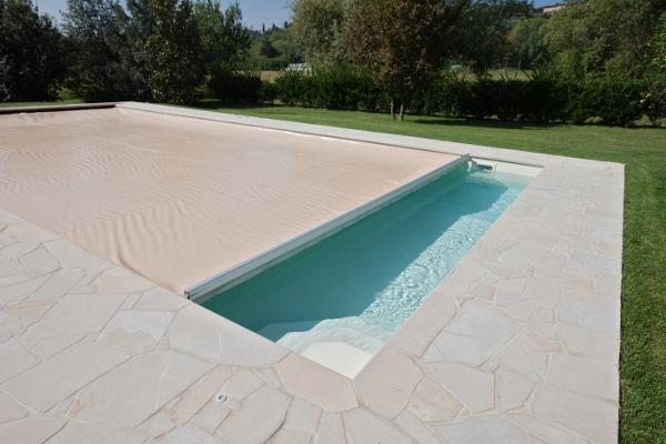 Blueguard l innovativa copertura di sicurezza automatica for Clorazione piscine