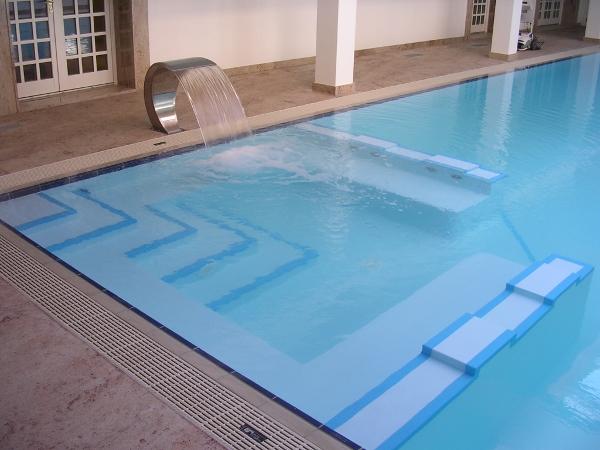 Realizzare aree per il benessere privato con piscine for Clorazione piscine