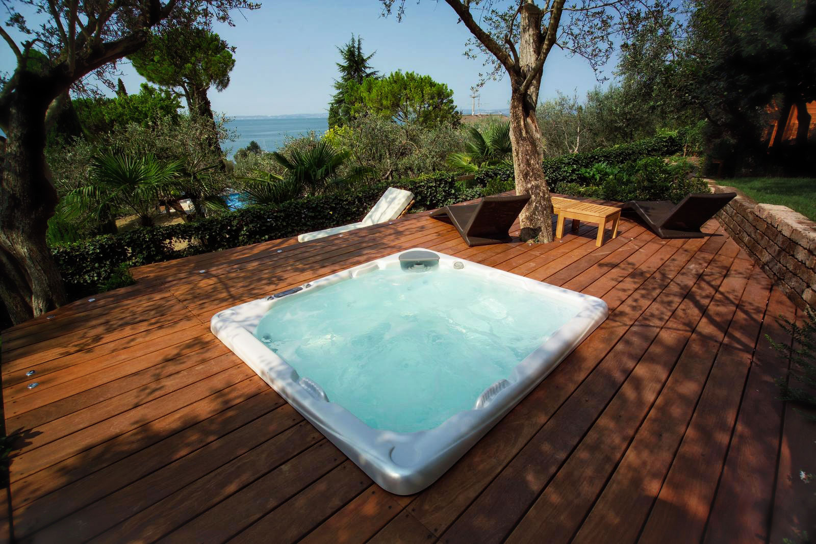 Minipiscine idromassaggio da esterno piscine castiglione - Vasca idro da esterno ...