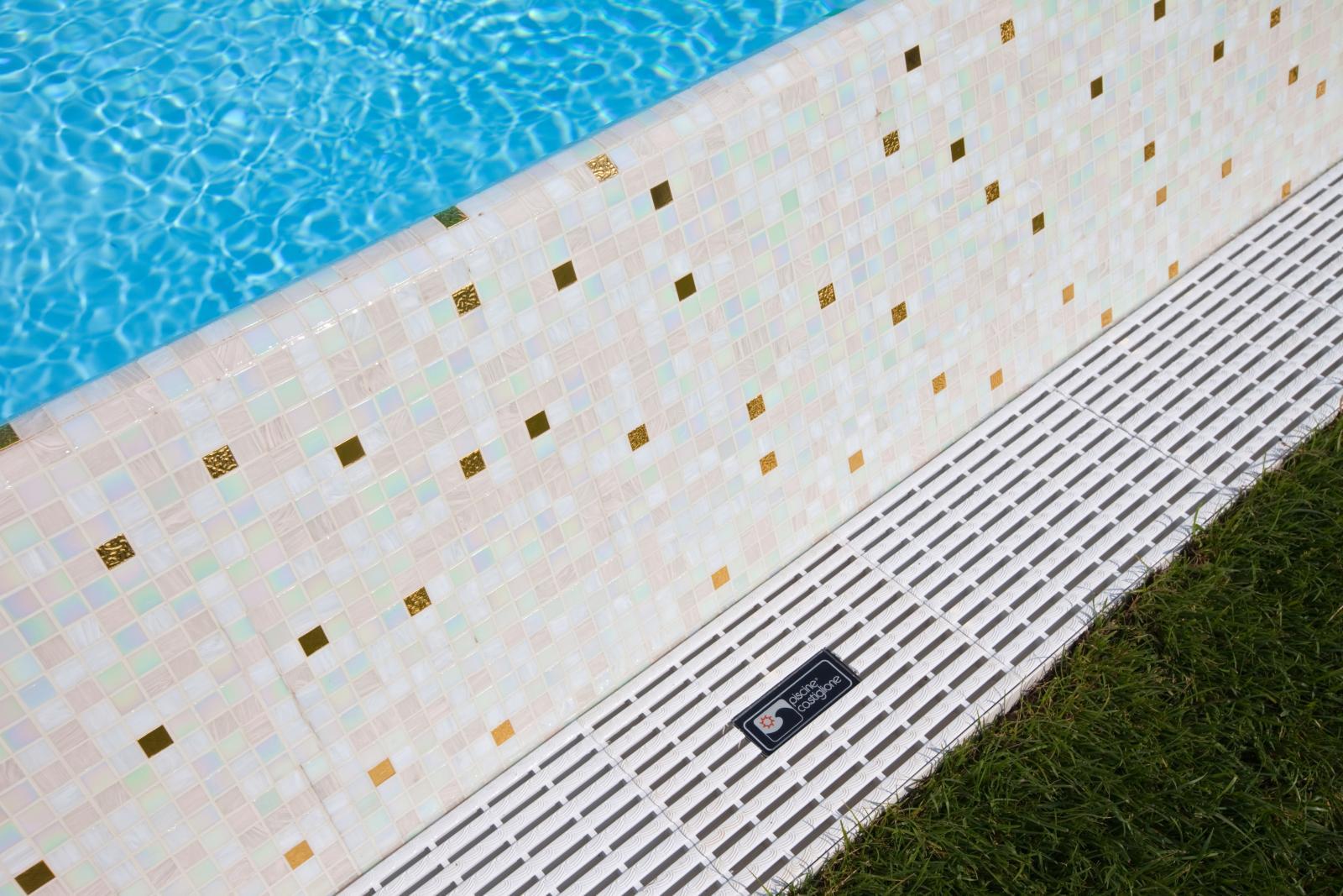 Illuminazione Terrazzo Senza Corrente : Finitura con Mosaico Bisazza ...