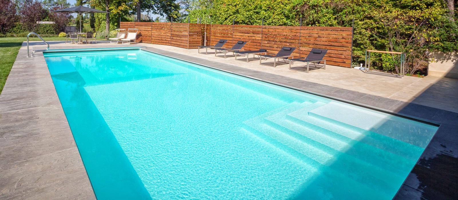 Piscine castiglione costruzione piscine interrate dal 1961 for Immagini piscine design