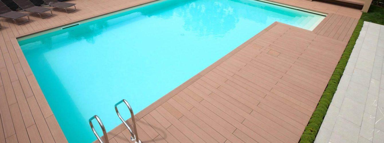 piscina skimmer con mosaico, scaletta e copertura