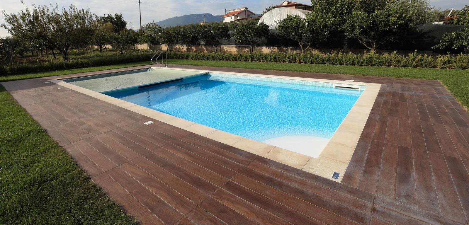 Piscine in giardino piscine castiglione - Piscina a sale ...