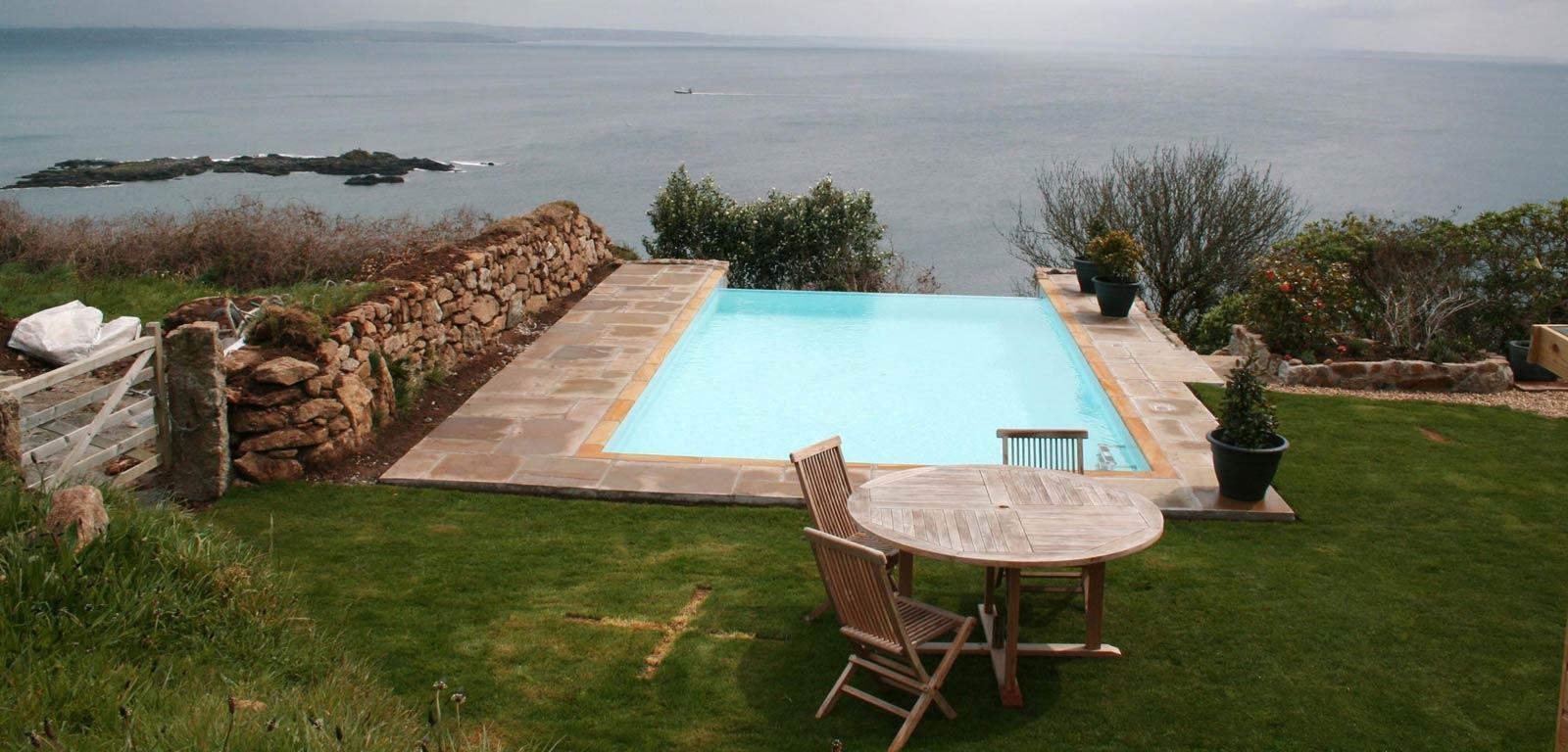 Piscine in giardino piscine castiglione for Piscine 10x5