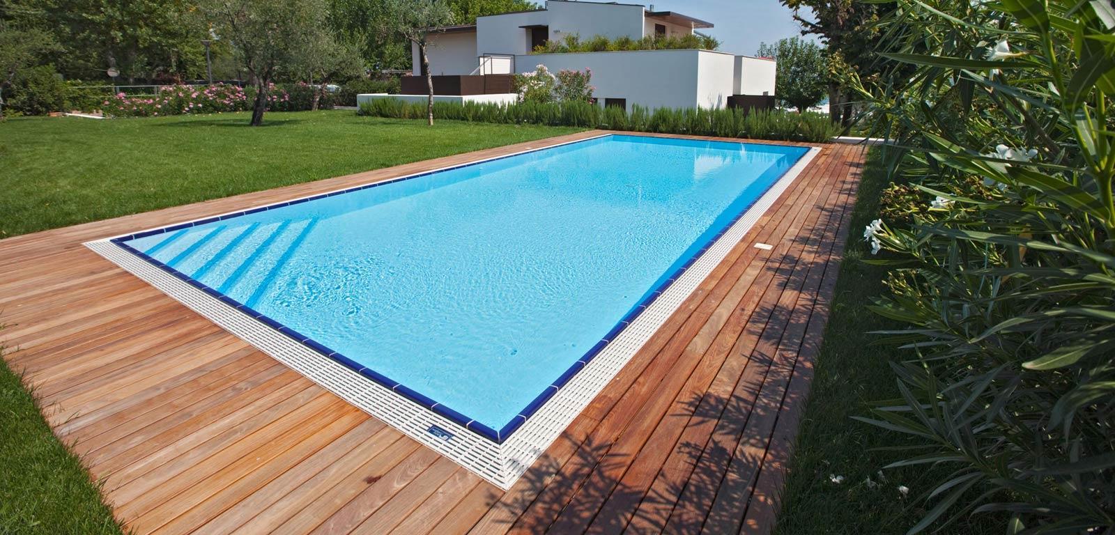 Piscine in giardino piscine castiglione for Costo per costruire una casa piscina con bagno