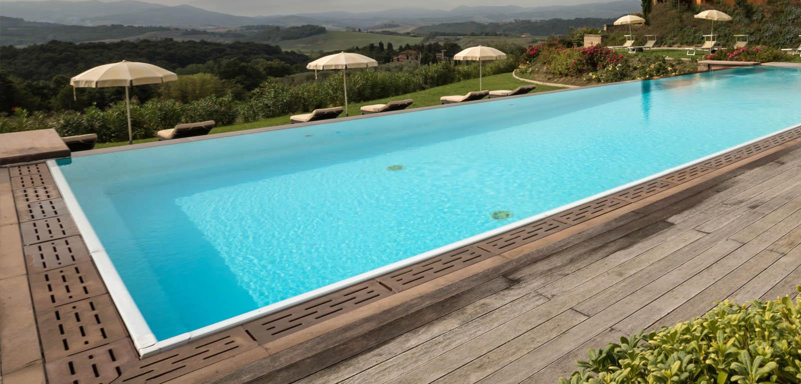 Piscine per giardini piscine with piscine per giardini for Progetti di piscine e pool house
