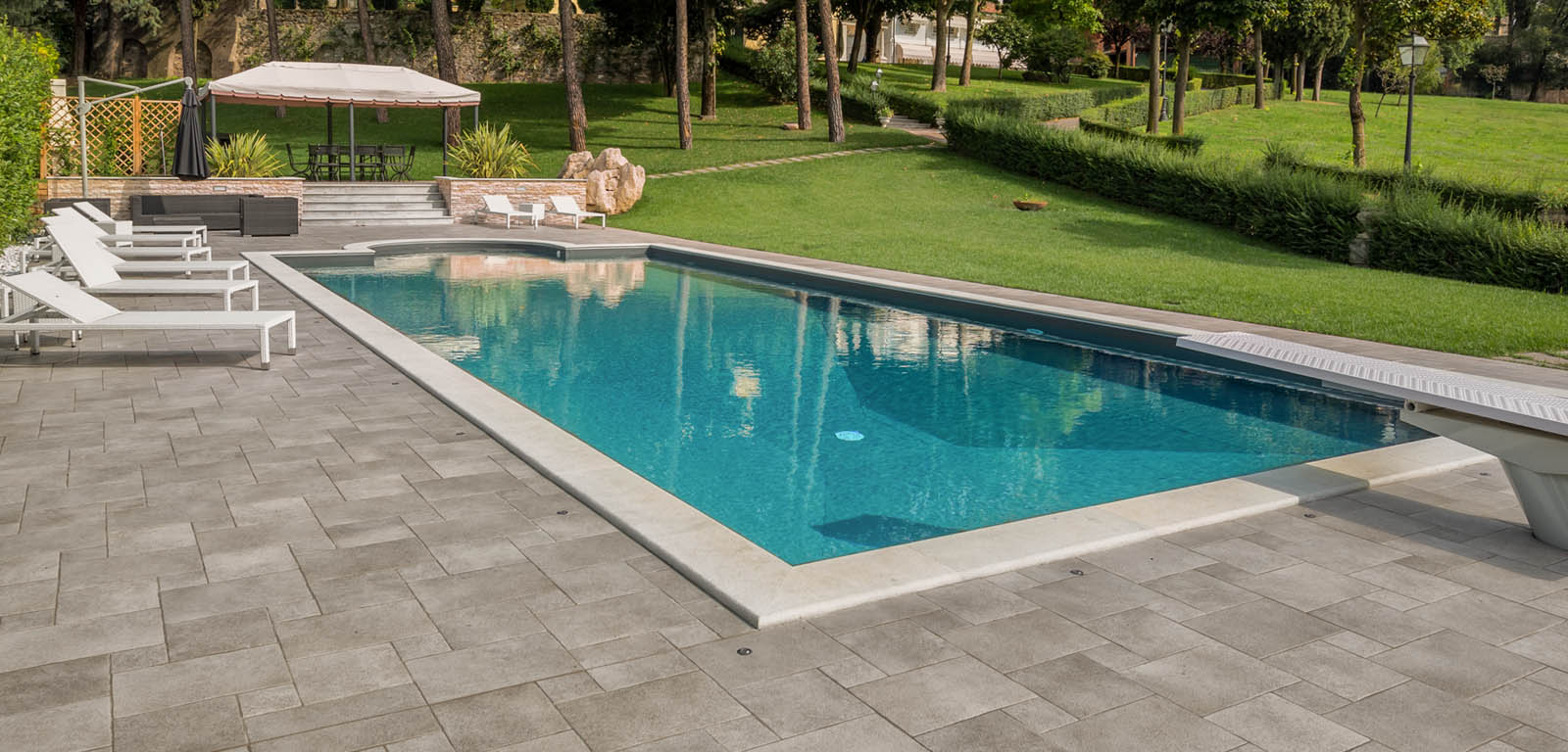 Quanto costa una piscina for Piscine skimmer