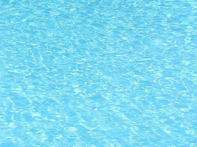 Sanificazione dell 39 acqua in piscina piscine castiglione for Clorazione piscine