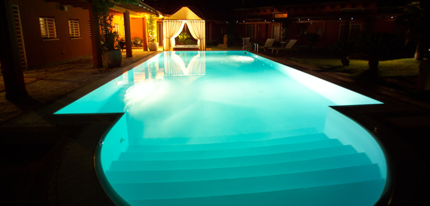 Illuminazione piscina ecco cosa devi sapere piscine - Illuminazione piscina ...