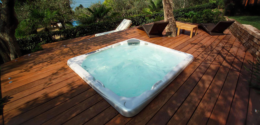Continua l 39 estate nella tua minipiscina con idromassaggio for Clorazione piscine