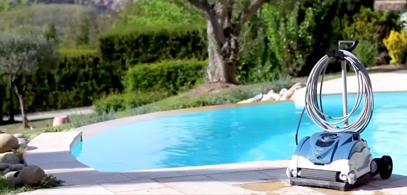 Robot pulitori per piscina ecco perch averne uno for Clorazione piscine