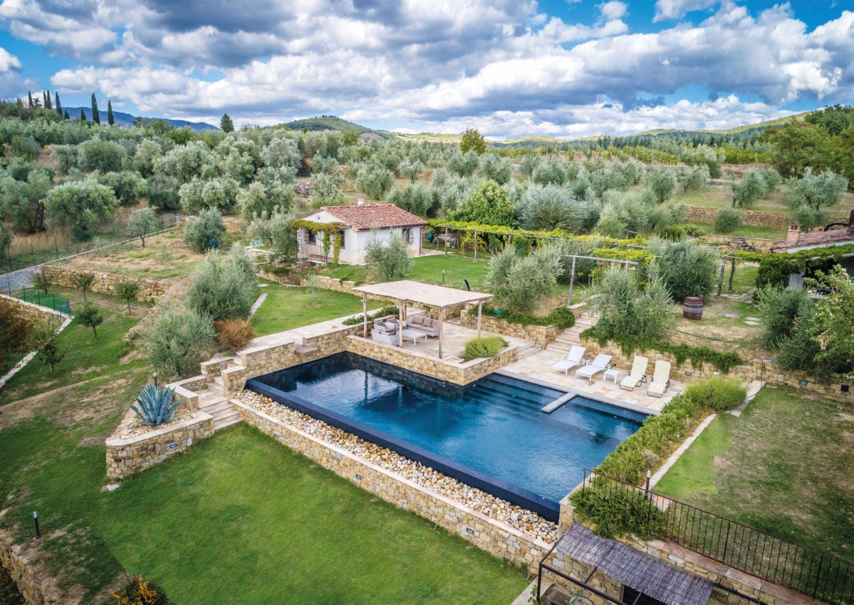 Ville casali piscine castiglione la forma dell 39 acqua for Castiglione piscine
