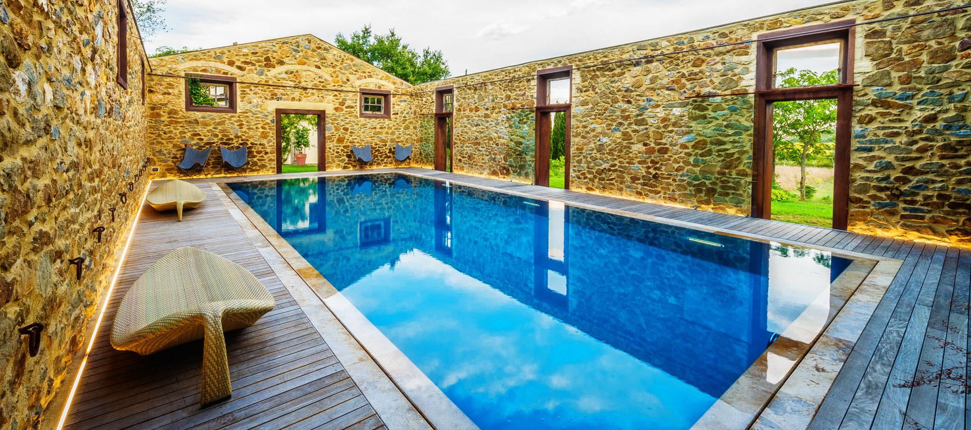 Piscine luxury la piscina esclusiva di lusso piscine castiglione - Piscina in casa prezzi ...