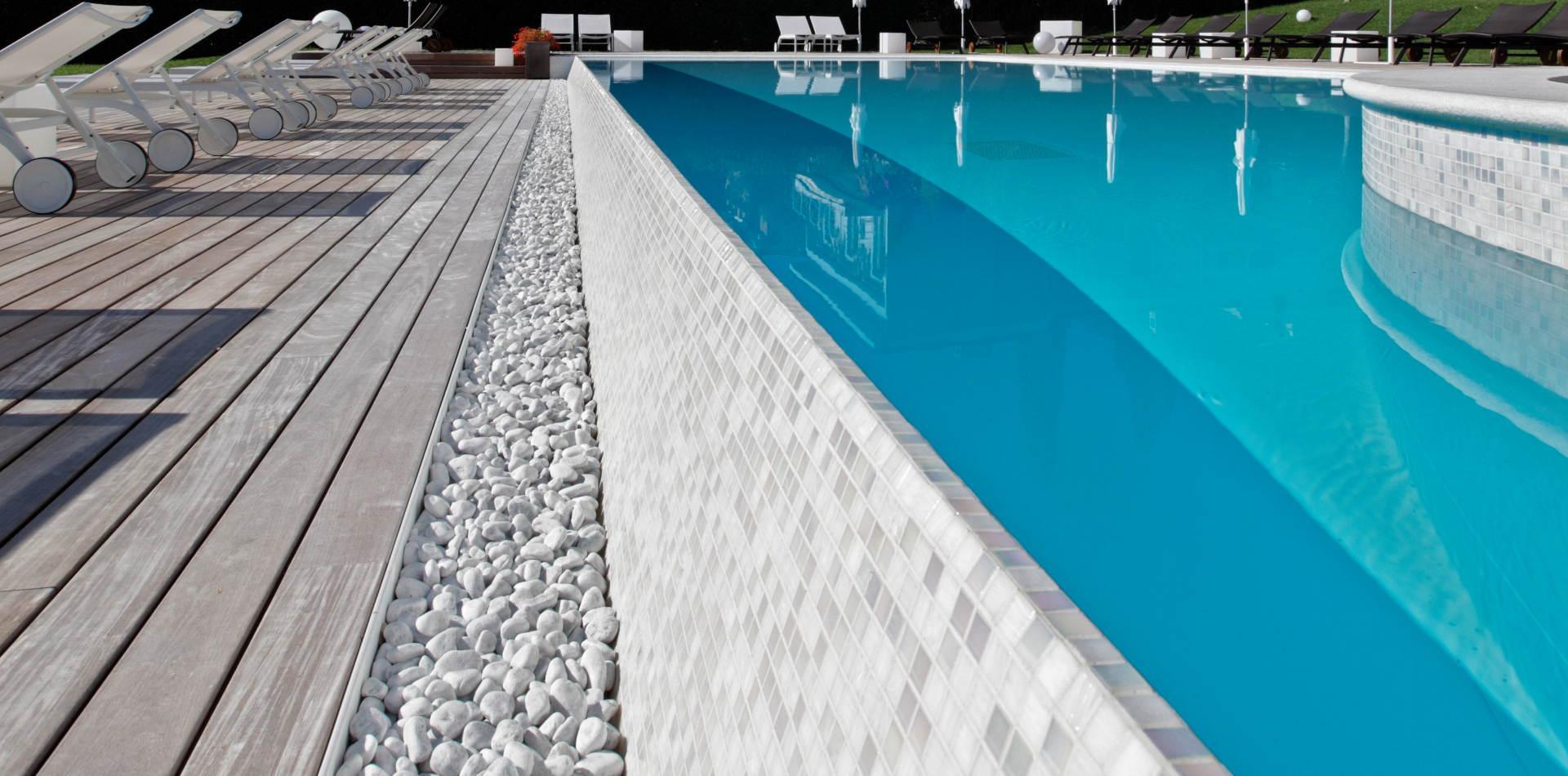 Piscine Sfioro A Cascata piscine con cascata ~ piscine castiglione