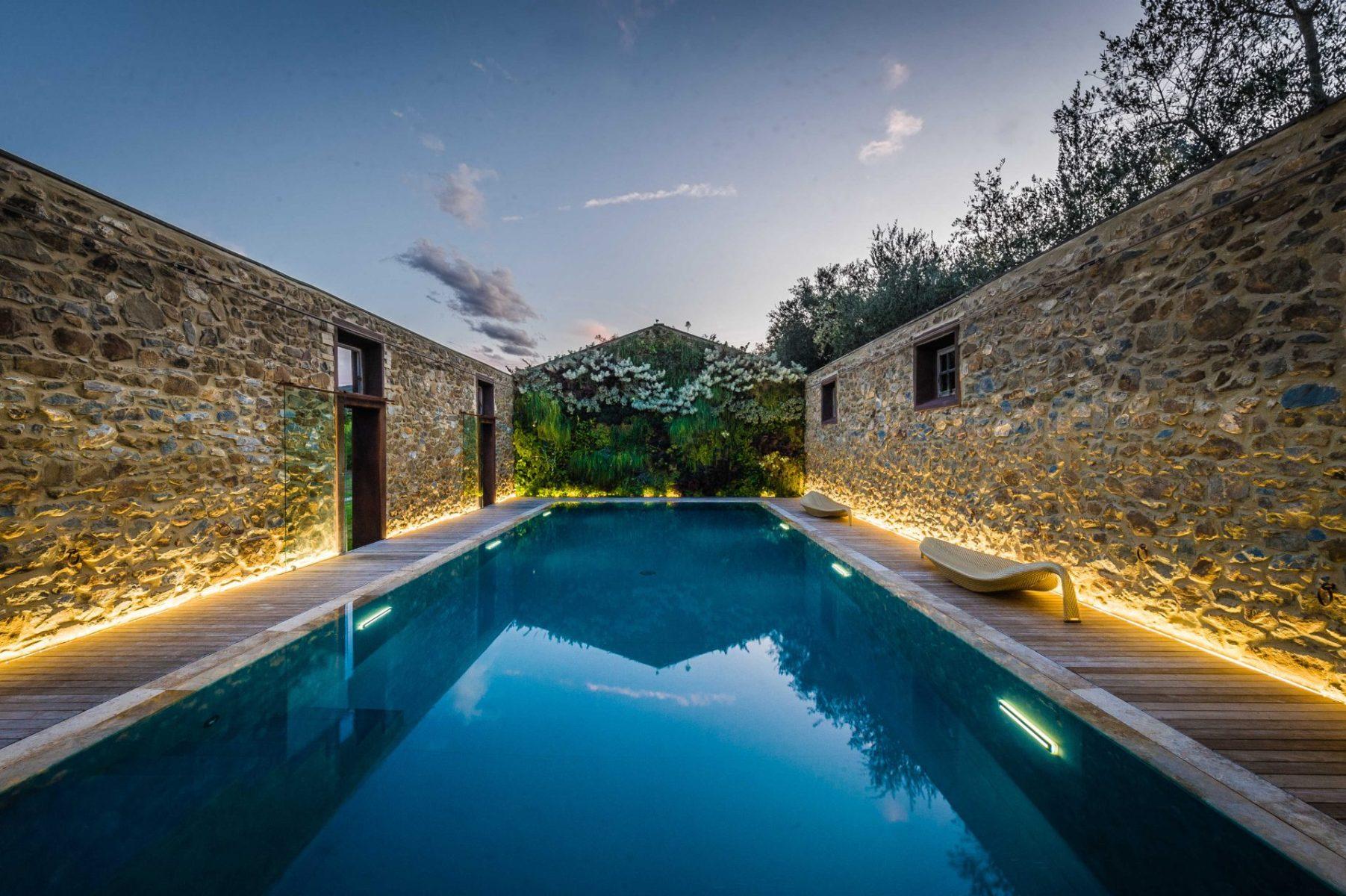 piscine oggi piscine castiglione quadro d 39 autore piscine castiglione. Black Bedroom Furniture Sets. Home Design Ideas