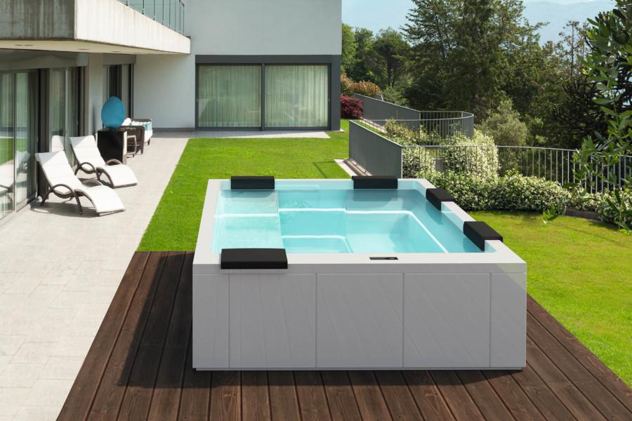 Piscine per giardino piccolo immenso benessere piscine for Giardino piccolo