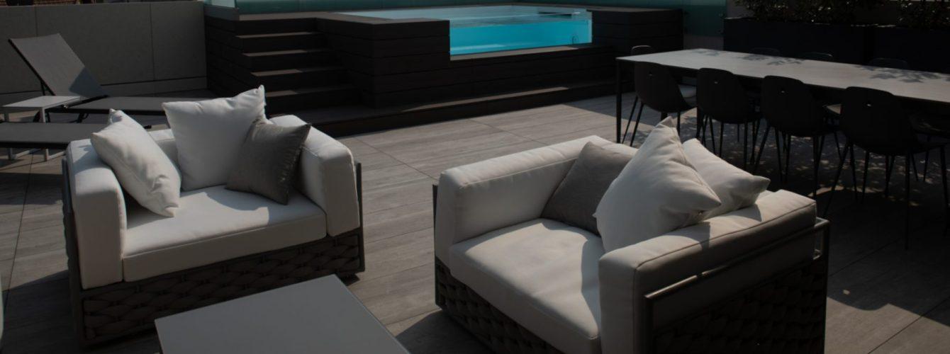 Piscina nel terrazzo di un appartamento