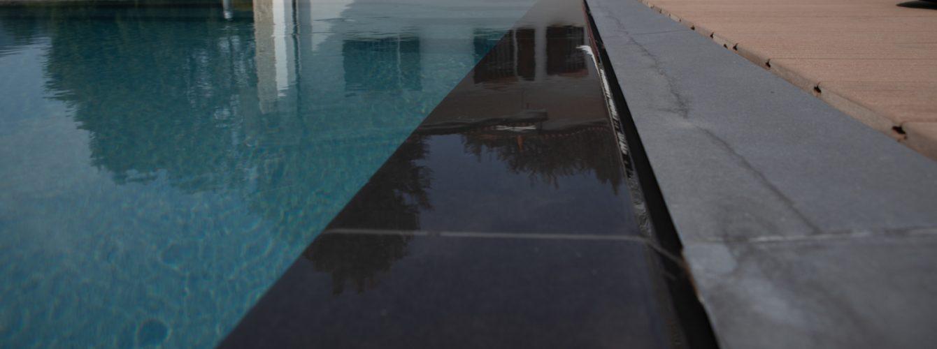Dettaglio bordo sfioro piscina