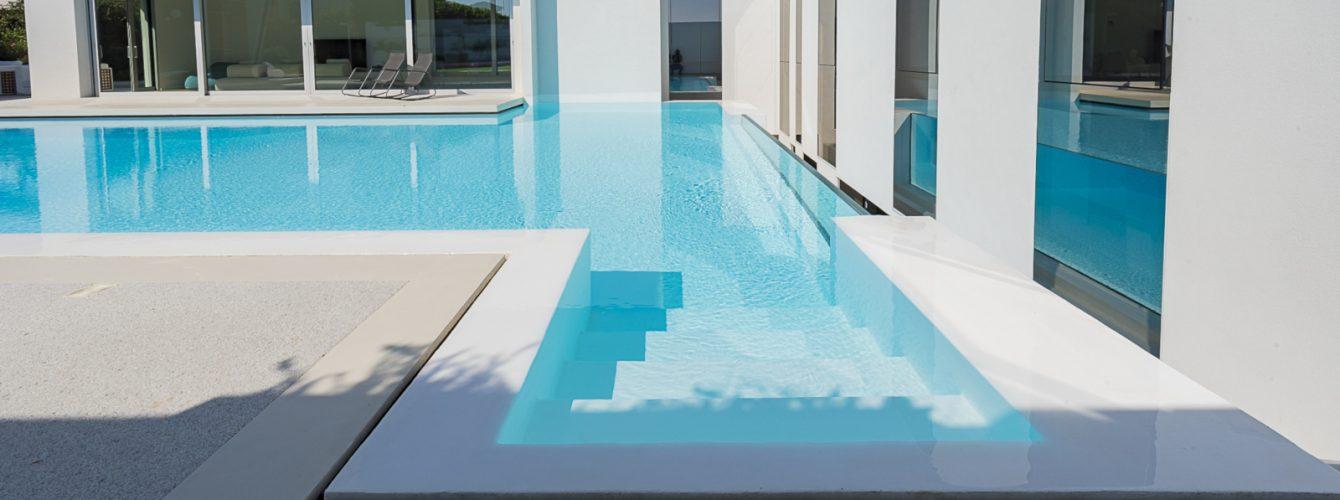 Scala di accesso alla piscina