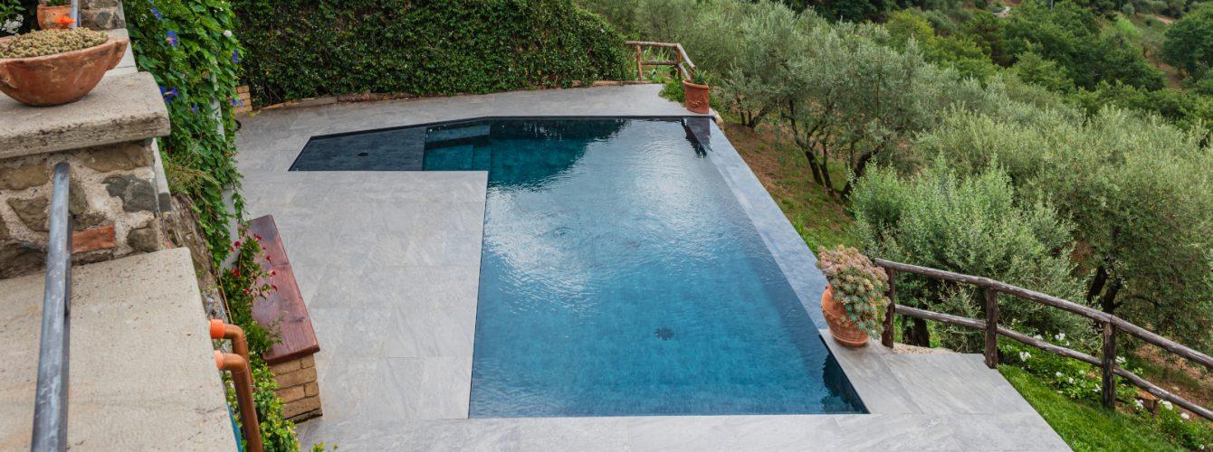 piscina-forma-libera-