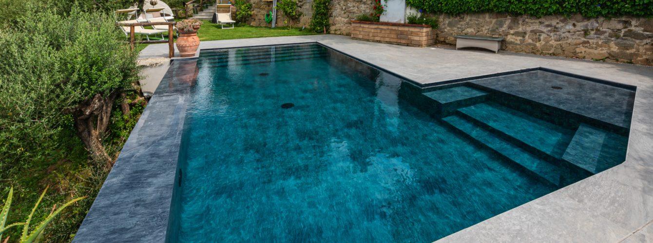 scale-accesso-piscina