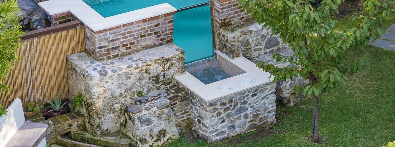 piscina-fuori-terra-pietra