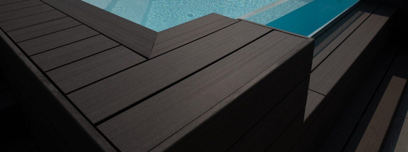 piscina fuoriterra a skimmer su terrazzo