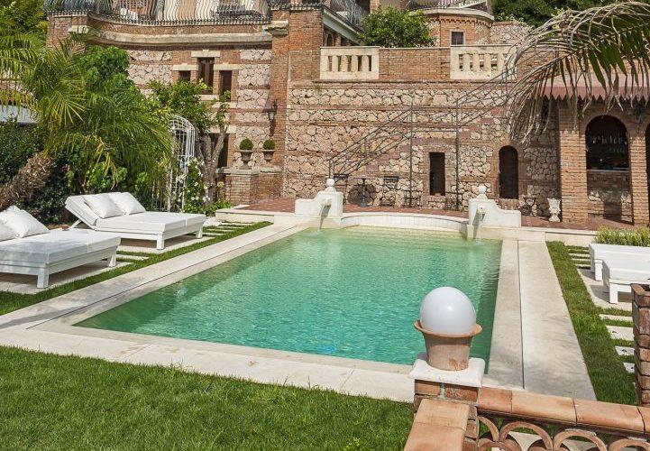 piscina con sfioro trilogy, scala romana, per hotel