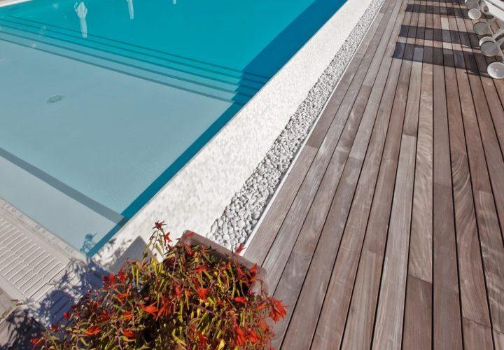 piscina con finiture di pregio sul lago di Garda