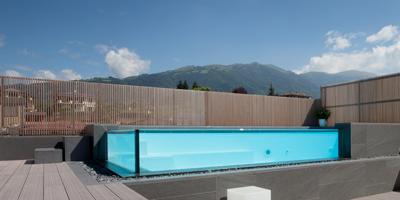 10 delle pi belle piscine castiglione for Belle case con piscine